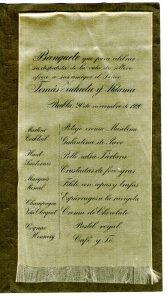 Menú de Tomas Zulueta y Aldama, la enumeración de los manjares está impresa en listón de seda. Centro de Documentación Fototeca Lorenzo Becerril A.C.