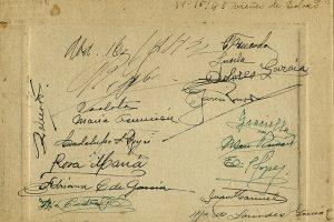 Rubricas de los asistentes a la comida de Dolores García, 1943. Salvador Gordoa, Fototeca Lorenzo Becerril A.C.