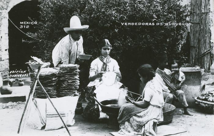 Vendedora de Buñuelos. Edición Domínguez, Fototeca Lorenzo Becerril A.C.