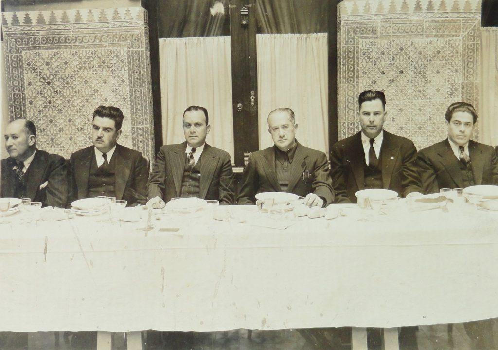 Banquete en el patio del Congreso del Estado, ca. 1940. Fotógrafo Salvador Gordoa, Fototeca Lorenzo Becerril A.C.
