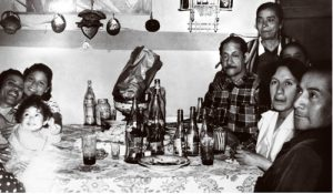 Amado Beltrán y su esposa Celestina con la familia. Fotógrafo García Cano, Fototeca Lorenzo Becerril A.C.