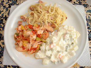 Comida preparada por Sandra, Heidi, Eréndira y Martha, 2011, Fototeca Lorenzo Becerril A.C.